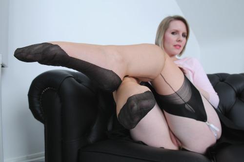 jolie maman en photo nue 128