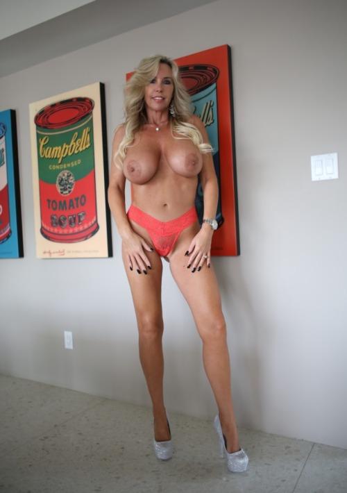 maman cougar chaude en photos 033