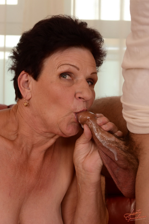 milf a baiser en pleine journee 068