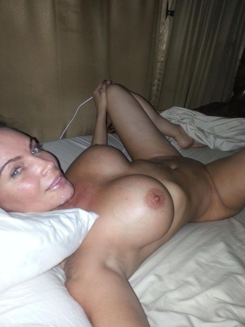 Petit moment sexe dans le 01 avec maman cougar
