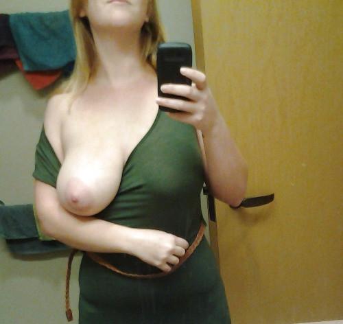 Petit moment sexe dans le 16 avec maman cougar