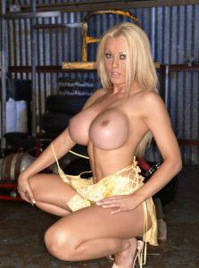 photo de femme bonne nue sur le 53